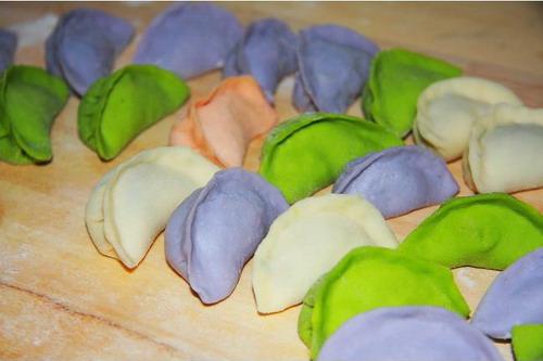 各种形状的饺子